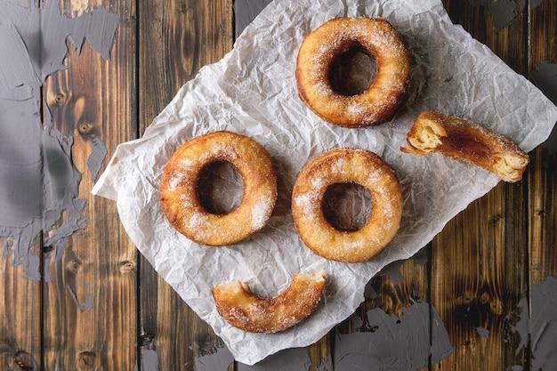 Blätterteig donuts cronuts