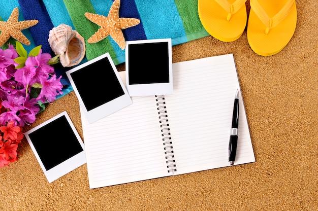 Blank notebook mit strand elemente