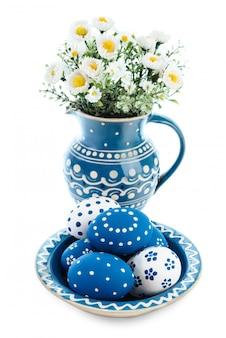 Blau-weiße osterdekorationen