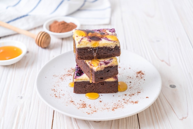 Blaubeerkäse-brownies
