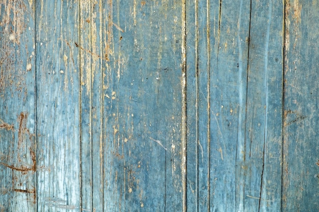 Blaue alte zerfallholztür