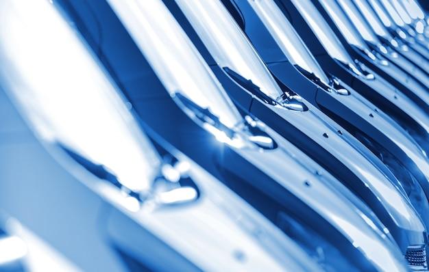 Blaue autos stock row