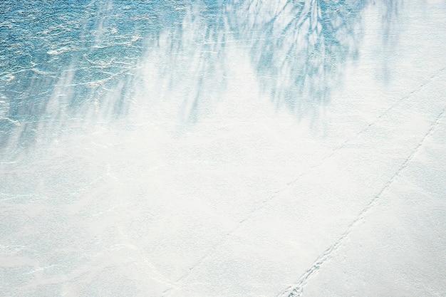 Blaue betonmauer