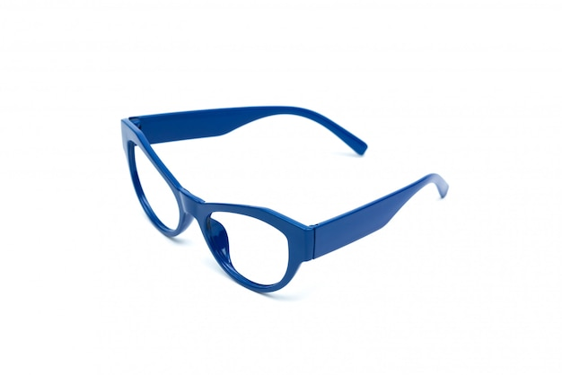 Blaue gläser getrennt auf weiß.