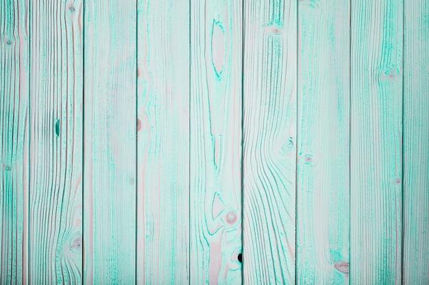 Blaue holzwand, im shabby-chic-stil gestrichen