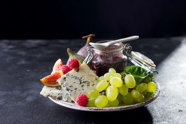 Blaue käsesorten der delikatesse