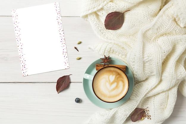 Blaue kaffeetasse draufsicht