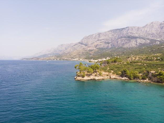 Blaue lagune inselparadies schöne bucht in der nähe von podgora stadt makarska rivera dalmatien kroatien