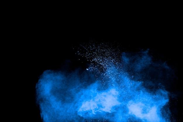 Blaue pulverexplosionswolke