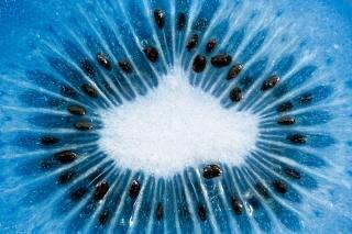 Blaue scheibe kiwi makro