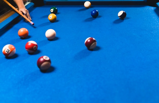 Blauer billardtisch der nahaufnahme