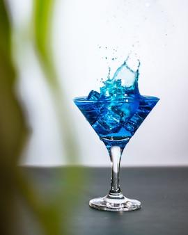 Blauer cocktail