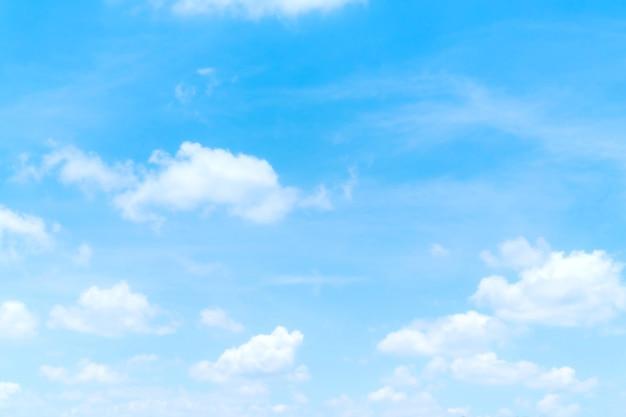 Blauer himmel mit weißen wolken, himmelsnatur-landschaftswand