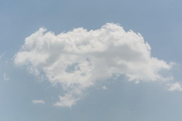 Blauer himmel mit wolken nahaufnahme