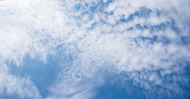 Blauer himmel.