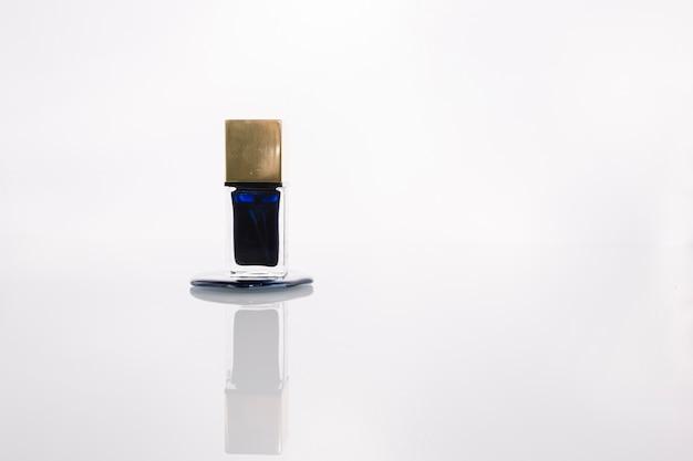 Blauer nagellack