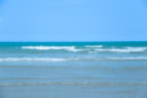 Blauer ozean und himmel des strandes