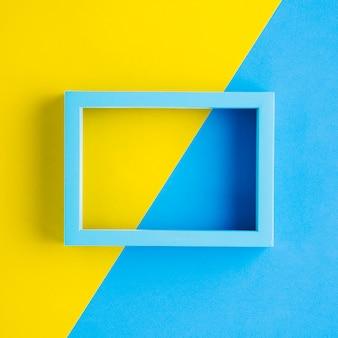 Blauer rahmen mit zweifarbigem hintergrund