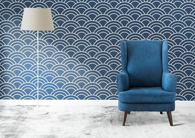 Blauer stuhl in einem raum