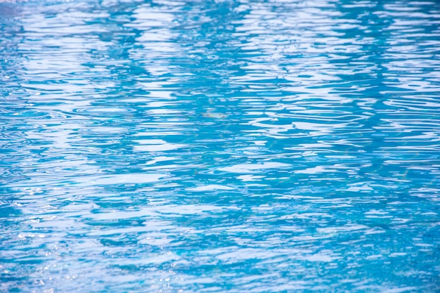 Blauer swimmingpool, hintergrund des wassers im swimmingpool.