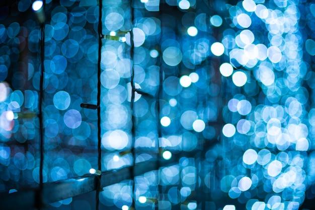 Blaues bokeh unscharfer lichthintergrund