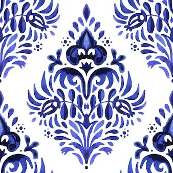 Blaues damasthand gezeichnetes blumenmuster. abstraktes nahtloses dekoratives aquarellfarbenmuster für stoff und keramikfliesen.