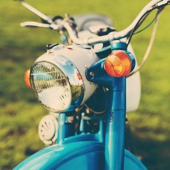 Blaues weinlesemotorrad
