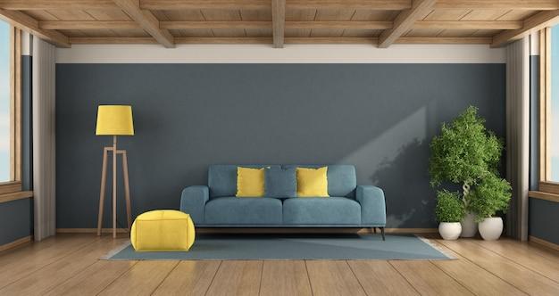 Blaues wohnzimmer mit sofa und holzdecke