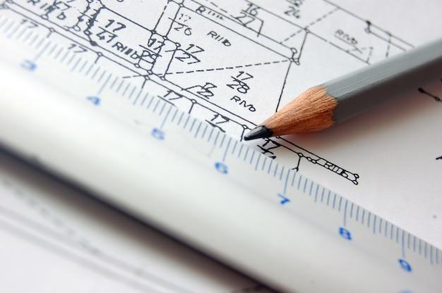 Bleistift und regel