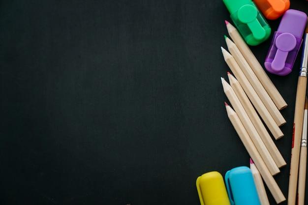 Bleistifte, stifte und raum