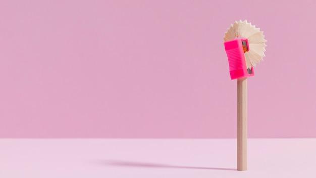 Bleistiftspitzer von vorne mit kopierraum