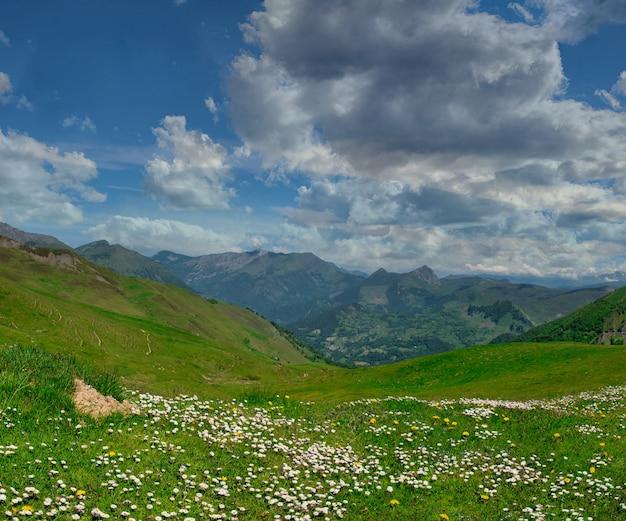Blick auf col aubisque in den französischen pyrenäen