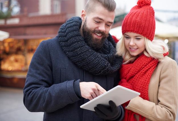 Blick auf das digitale tablet