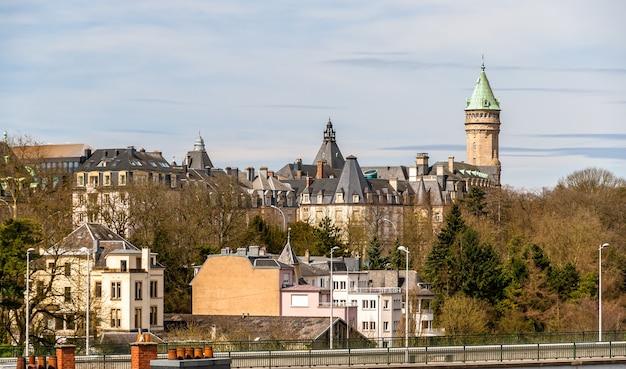 Blick auf das historische zentrum der stadt luxemburg
