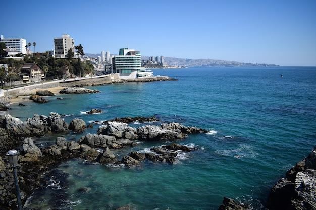 Blick auf das meer und die stadt vina del mar chile