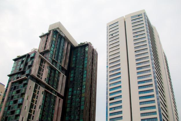 Blick auf den baiyok tower ii am 6. dezember
