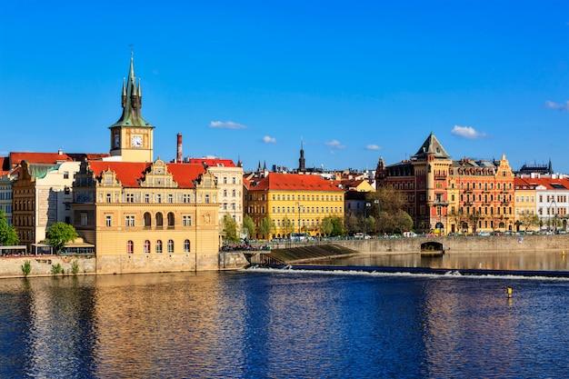 Blick auf den prager stare mesto-damm von der karlsbrücke