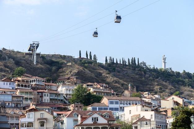 Blick auf die altstadt von tiflis, georgien