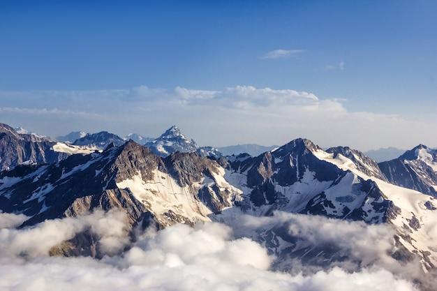 Blick auf die annapurna achttausende vom trekking um annapurna
