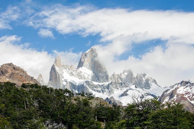 Blick auf die berge el chalten fitz roy patagonien argentinien