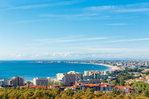 Blick auf die bucht von sunny beach resort