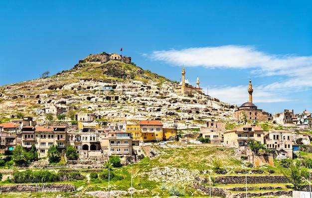 Blick auf die burg nevsehir in kappadokien, türkei
