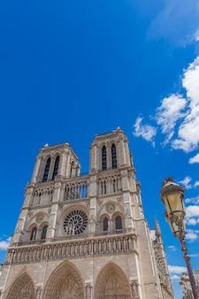 Blick auf die Kathedrale Notre Dame de Paris