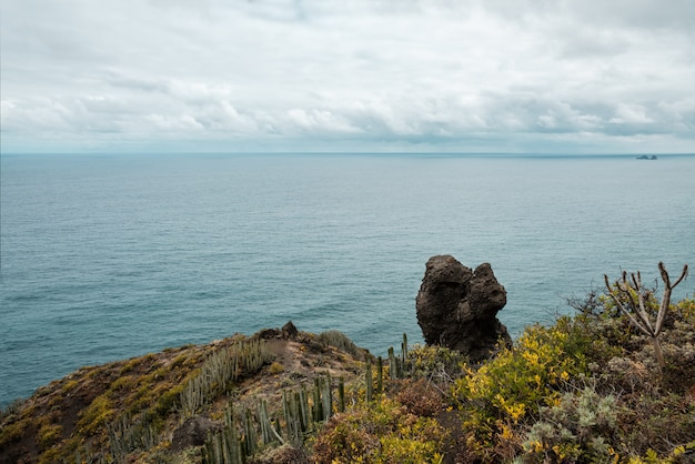 Blick auf die küste des anaga country park