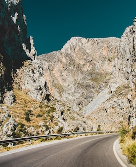 Blick auf eine landschaft bergstraßen