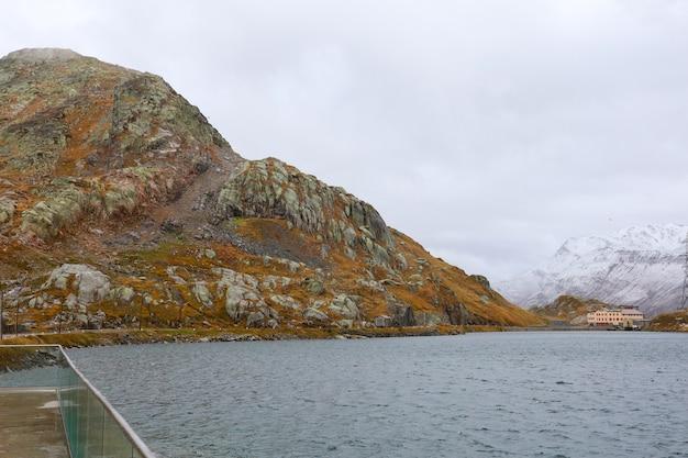 Blick auf landschaftsberg in natur und umwelt in der schweiz