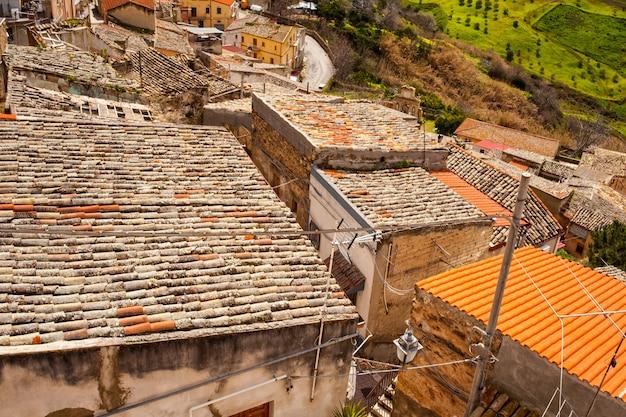 Blick auf leonforte dach