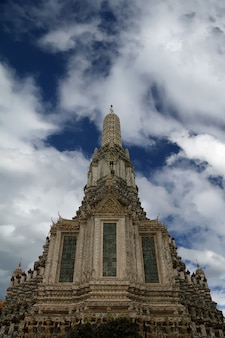 Blick auf wat arun in bangkok, thailand