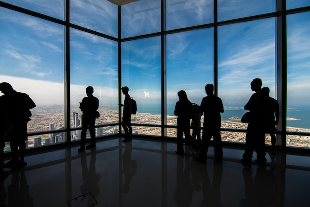 Blick vom burj khalifa tower in den vereinigten arabischen emiraten