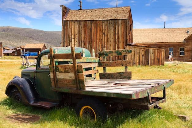 Blick von der geisterstadt bodie, kalifornien usa. alte verlassene mine